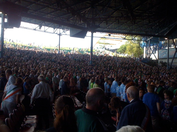 10,000 strong crowd at the Irish Fest mass.
